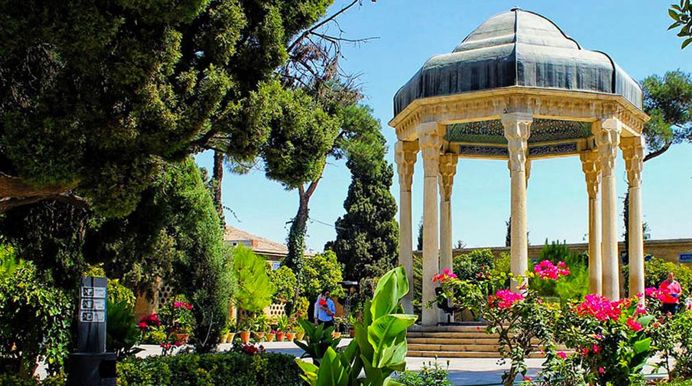 با جاذبه های توریستی شیراز آشنا شویم